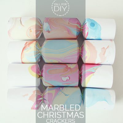 DIY // Marbled Christmas Crackers