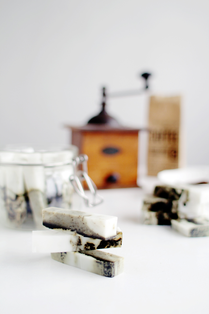 Fall-For-DIY-Coffee-and-Coconut-Marbled-Soap-Sticks-6