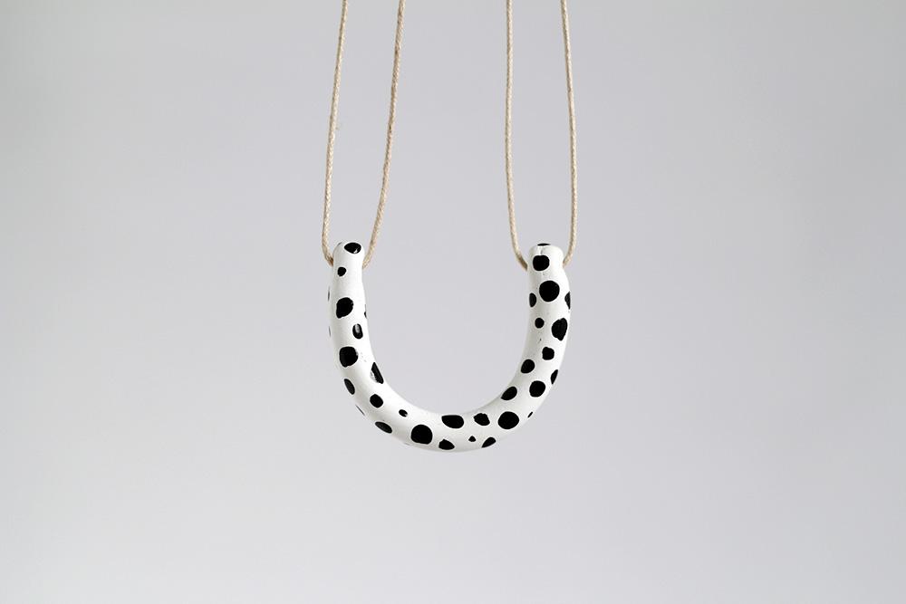 Fall for diy dalmatian spot horseshoe necklace