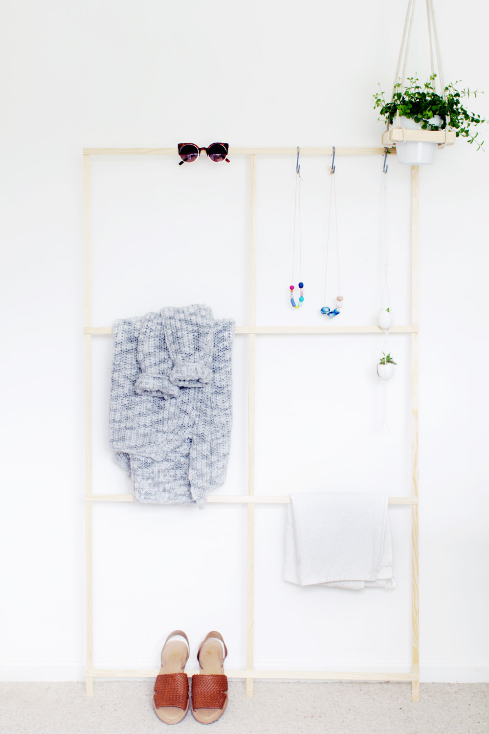 Fall For DIY Trellis Clothes Rack 5