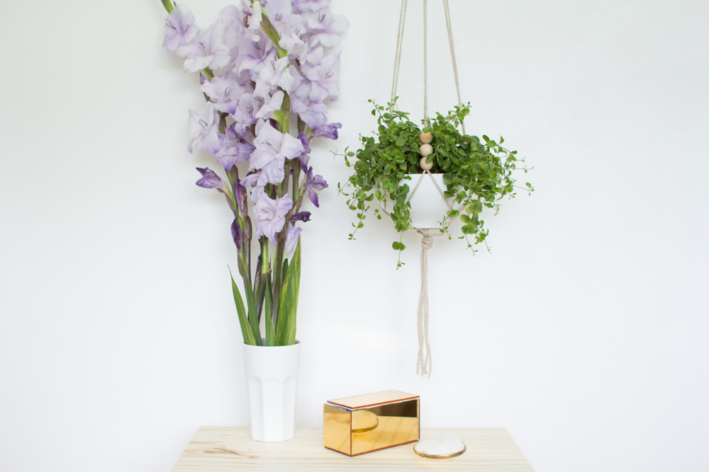 Hanging ceramic planter -25