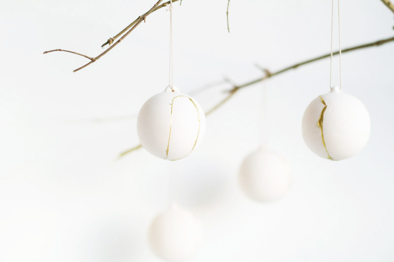 DIY Kintsugi Gold Fixed Baubles | Fall For DIY