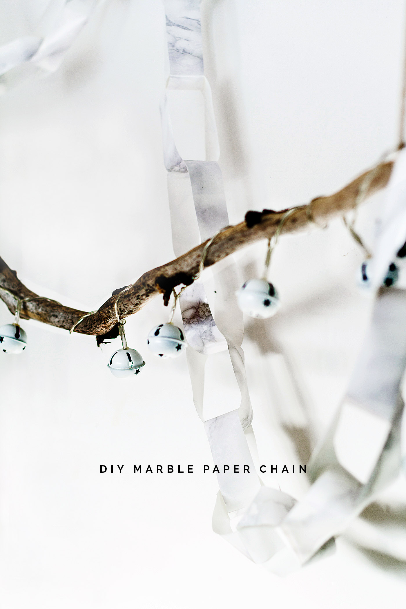 DIY Marbled Paper Chain Christmas Decoration | Fall For DIY