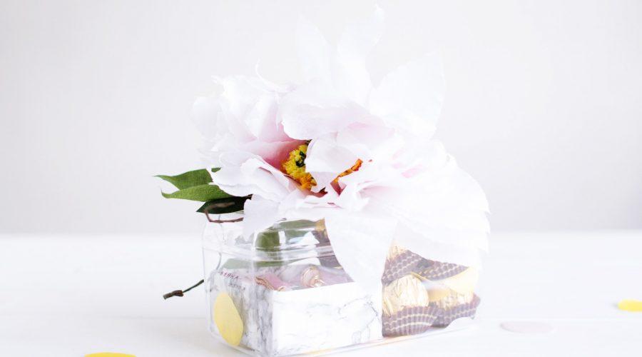 DIY Paper Flower Gift Topper