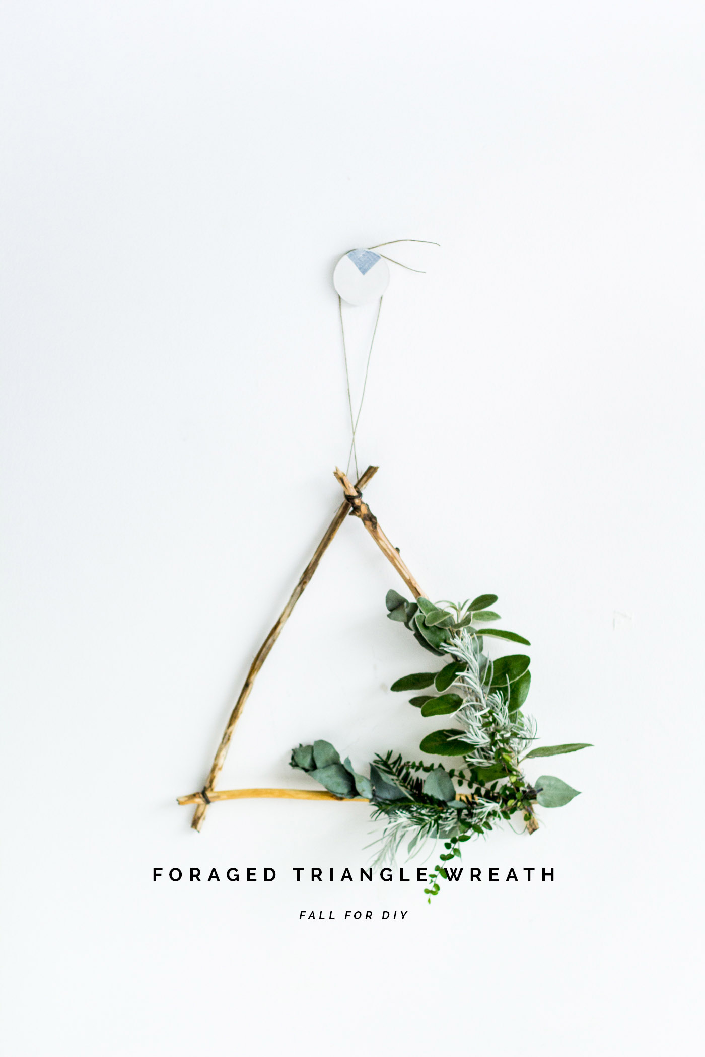 DIY Foraged Triangle Christmas Wreath | @fallfordiy
