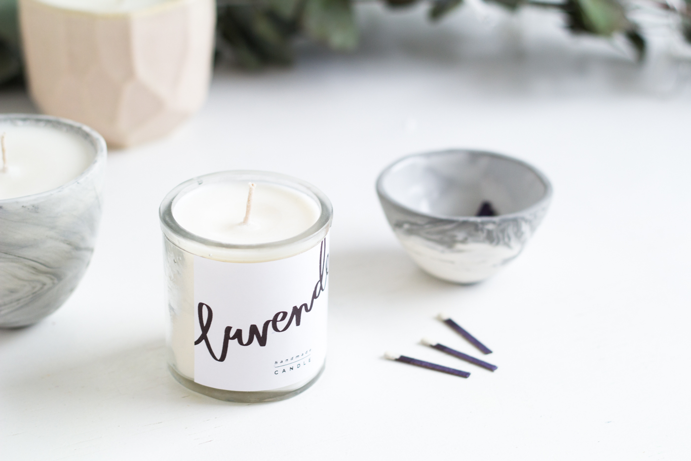 DIY Scented Candle Gifts & Free Printables | @fallfordiy-20