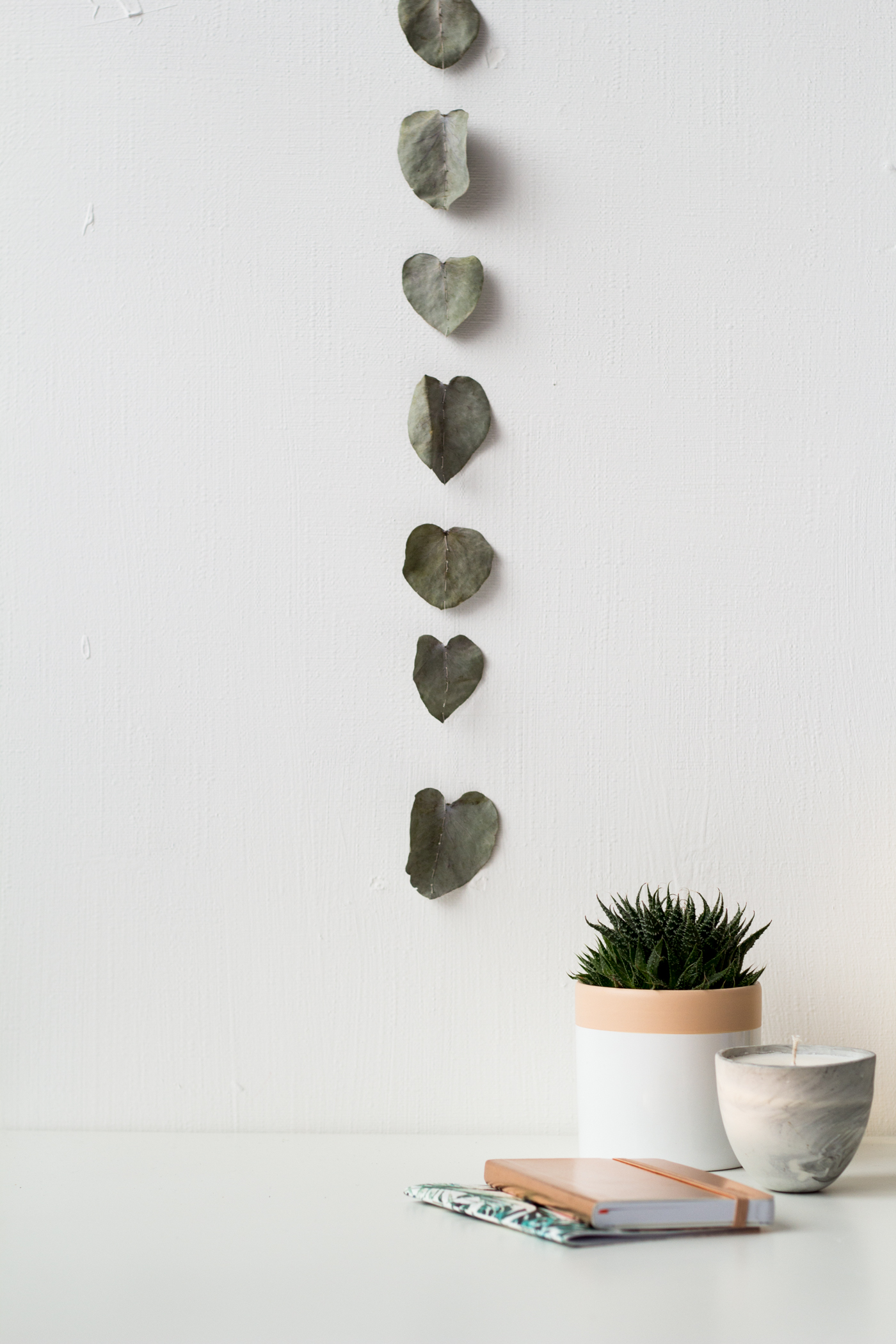 DIY Eucalyptus Heart Garland | @fallfordiy