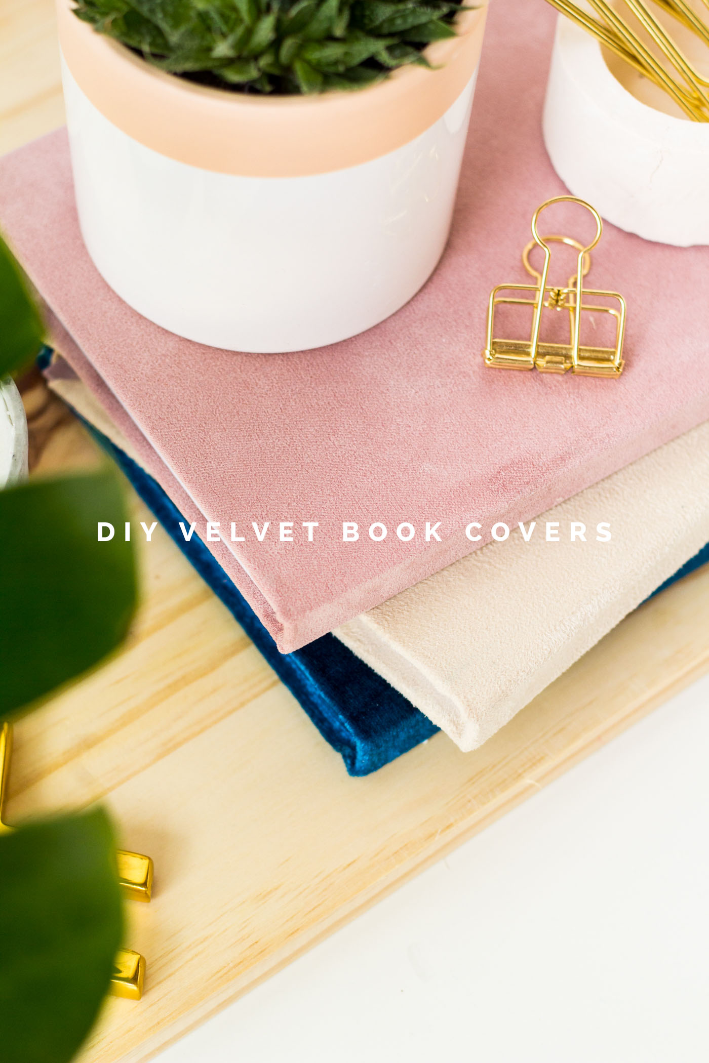 DIY Velvet book covers tutorial | @fallfordiy