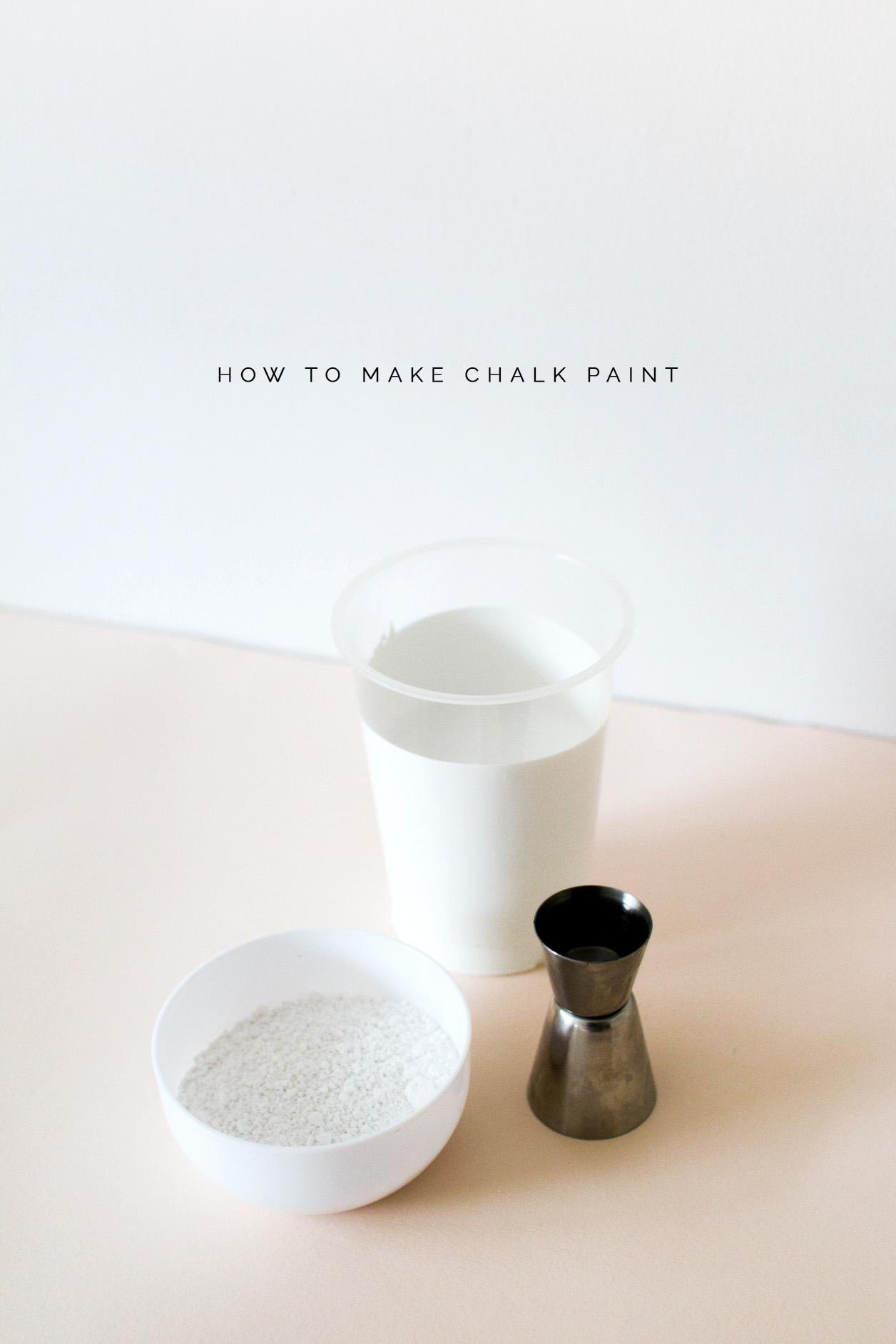 How to make DIY Chalk Paint | @fallfordiy