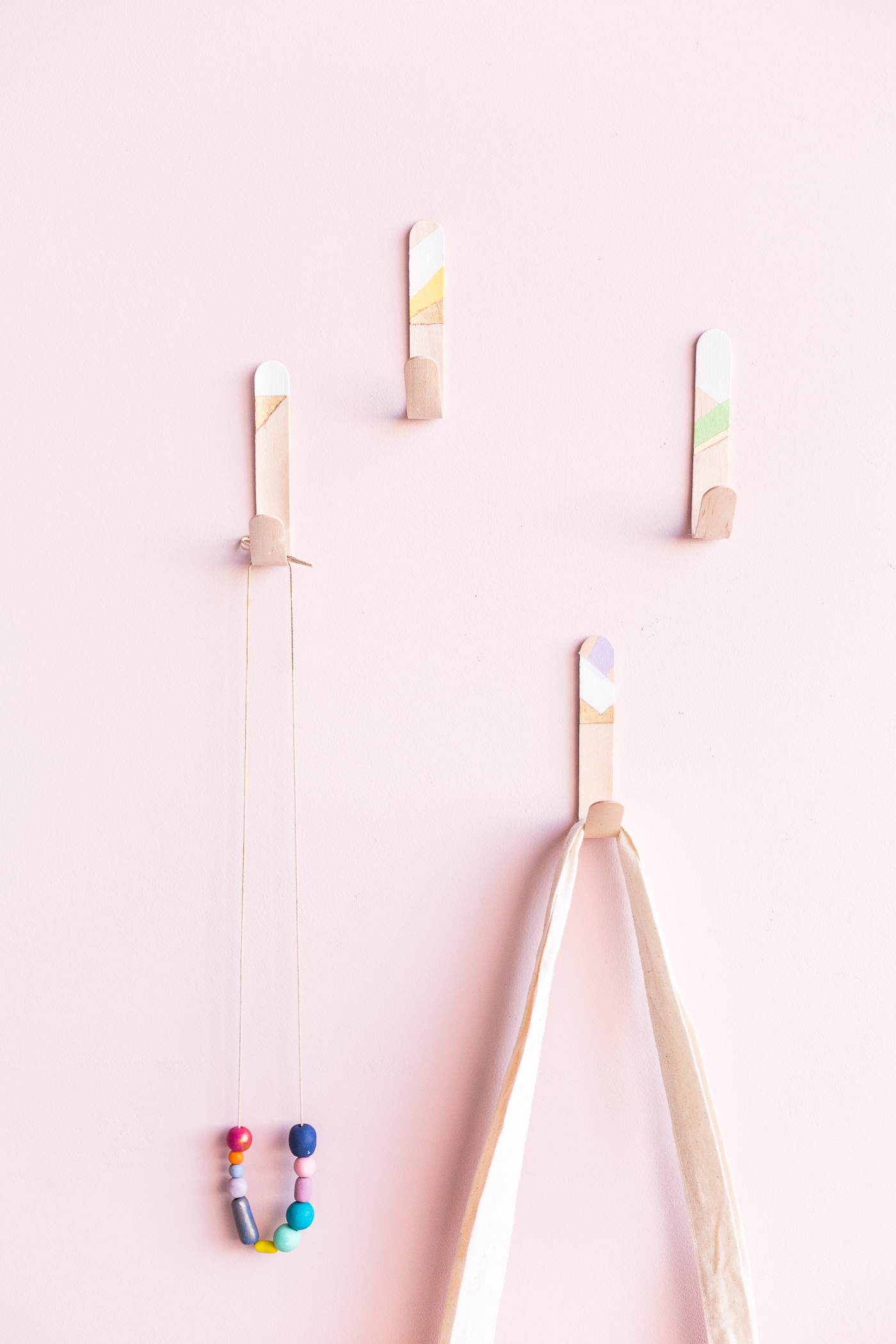 DIY Lollipop Stick Hooks tutorial | @fallfordiy