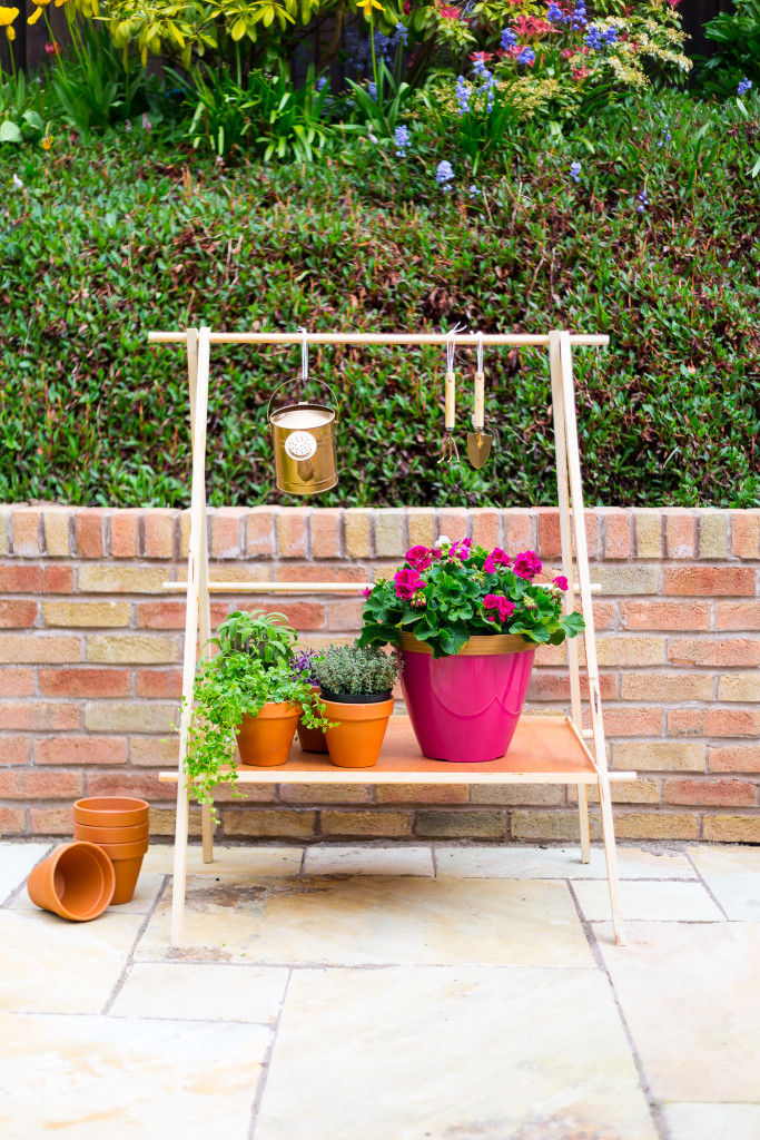 DIY Ladder Plant Shelf for a Small Garden or Balcony | @fallfordiy-16