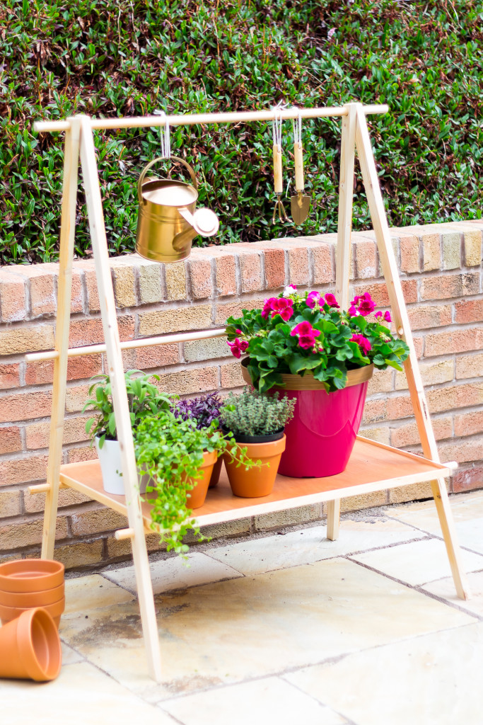 DIY Ladder Plant Shelf for a Small Garden or Balcony | @fallfordiy-17