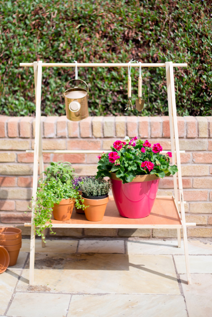 DIY Ladder Plant Shelf for a Small Garden or Balcony | @fallfordiy-25-2