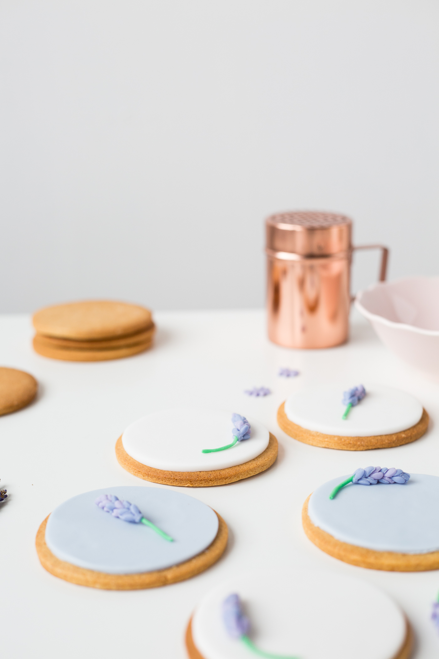 DIY Sugar Lavender Bloom Cookie Toppers | @fallfordiy-29