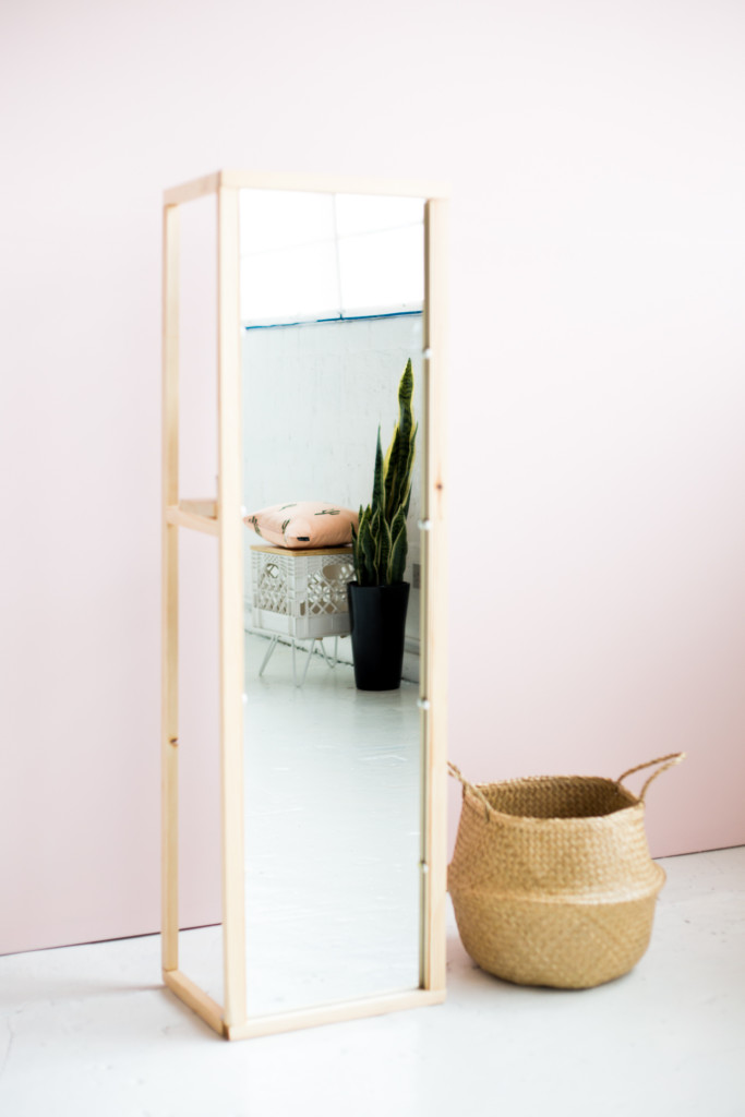 Standing mirror styled-4