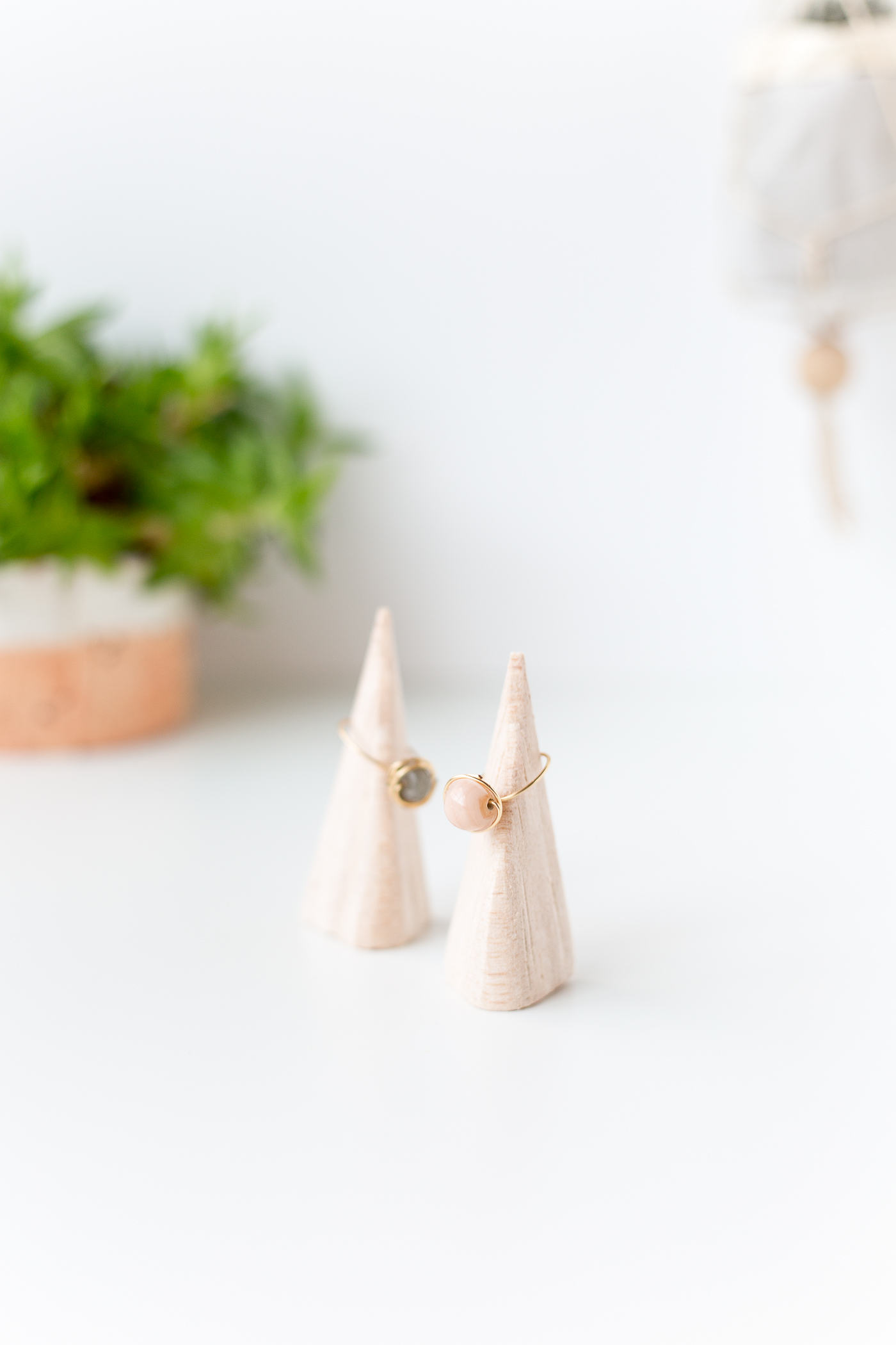 DIY Balsa Wood Ring Holders | @fallfordiy