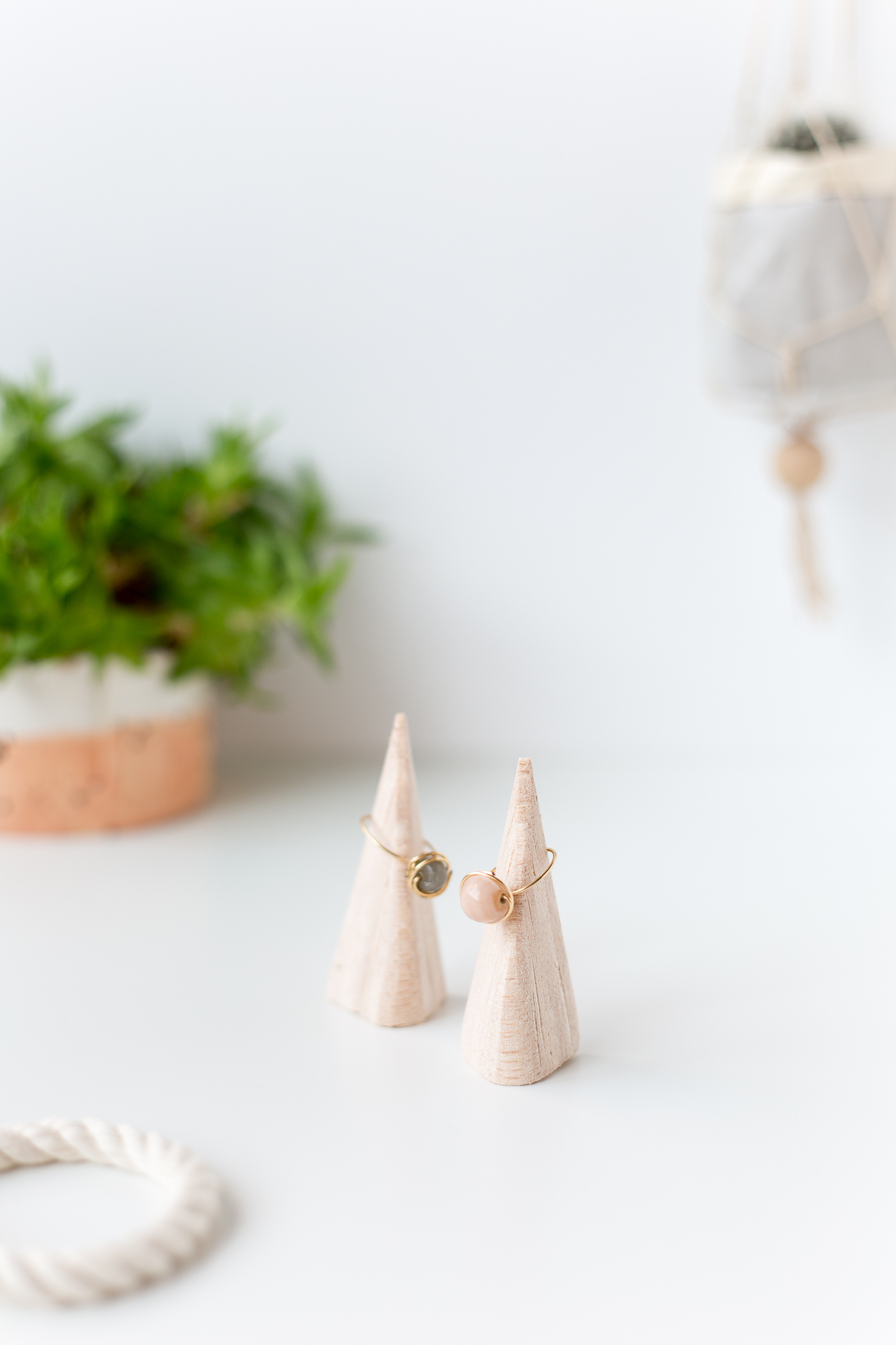DIY Balsa Wood Ring Holders | @fallfordiy-13