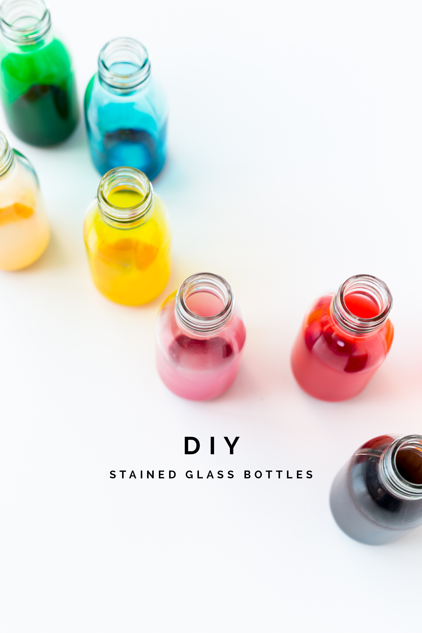 DIY-Stained-Glass-Bottles-Tutorial-_-@fallfordiy
