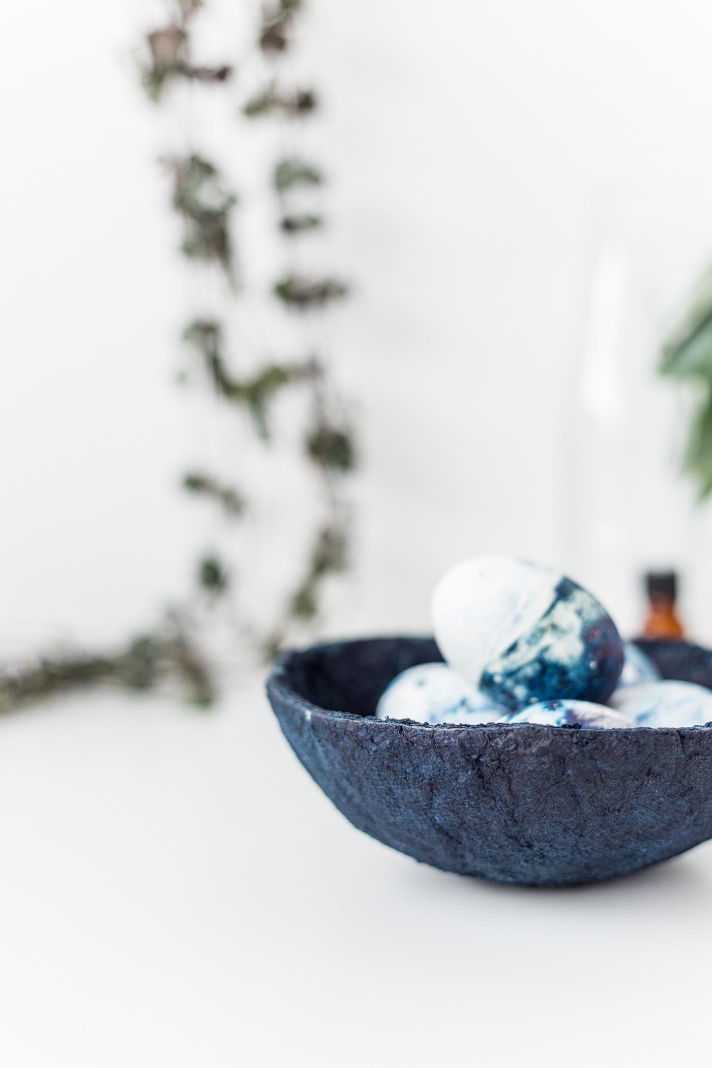 DIY Indigo Paper Bowls Tutorial | @fallfordiy