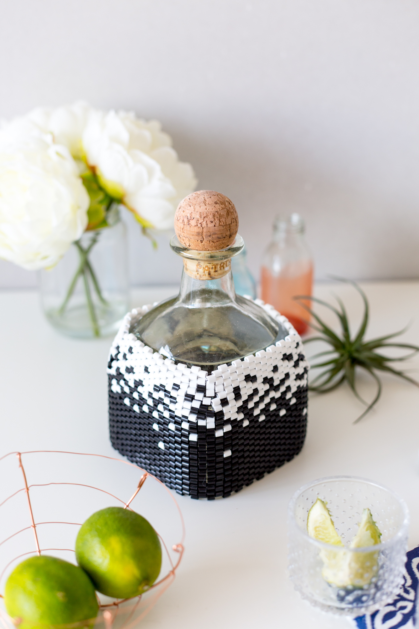 diy-beaded-bottle-cover-in-peyote-stitch-with-tutorial-fallfordiy-8