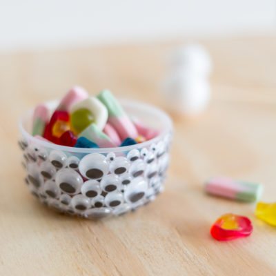 DIY Halloween Googly Eye Bowls