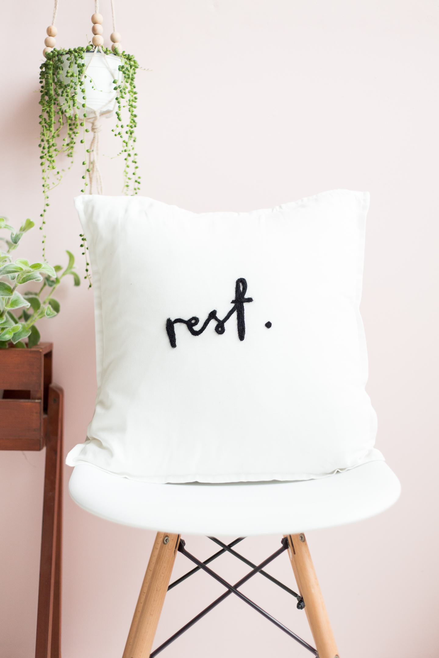 DIY Needle Felted Lettered Cushion | @fallfordiy