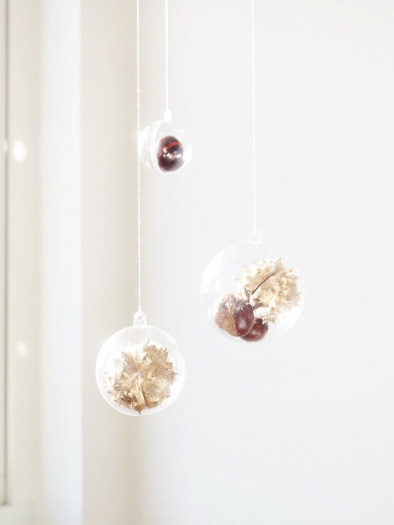 diy-autumn-decorations-chestnut-hangings-monsterscircus-1