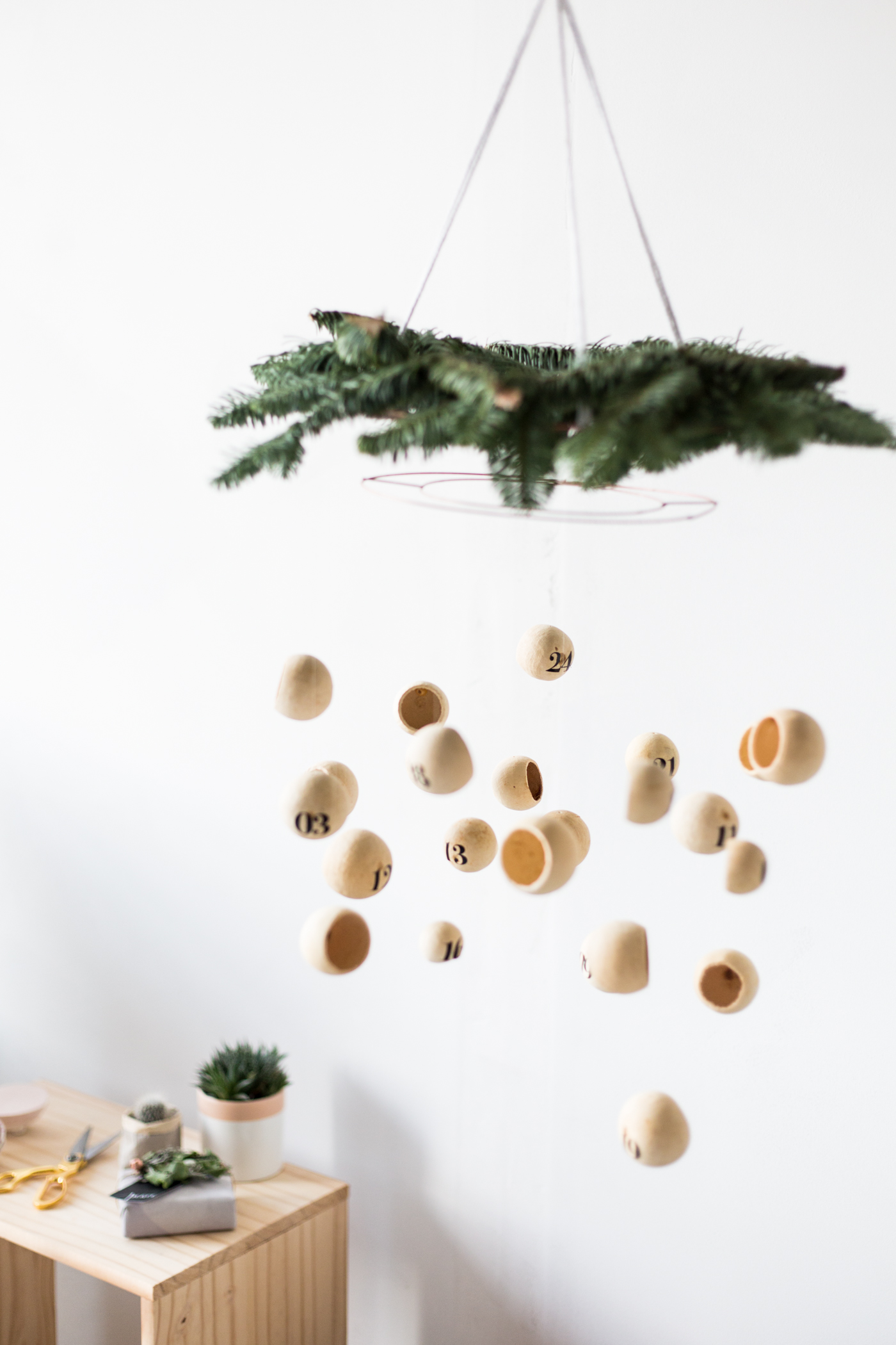 Make a DIY Floating Pod Advent Calendar Mobile | @fallfordiy