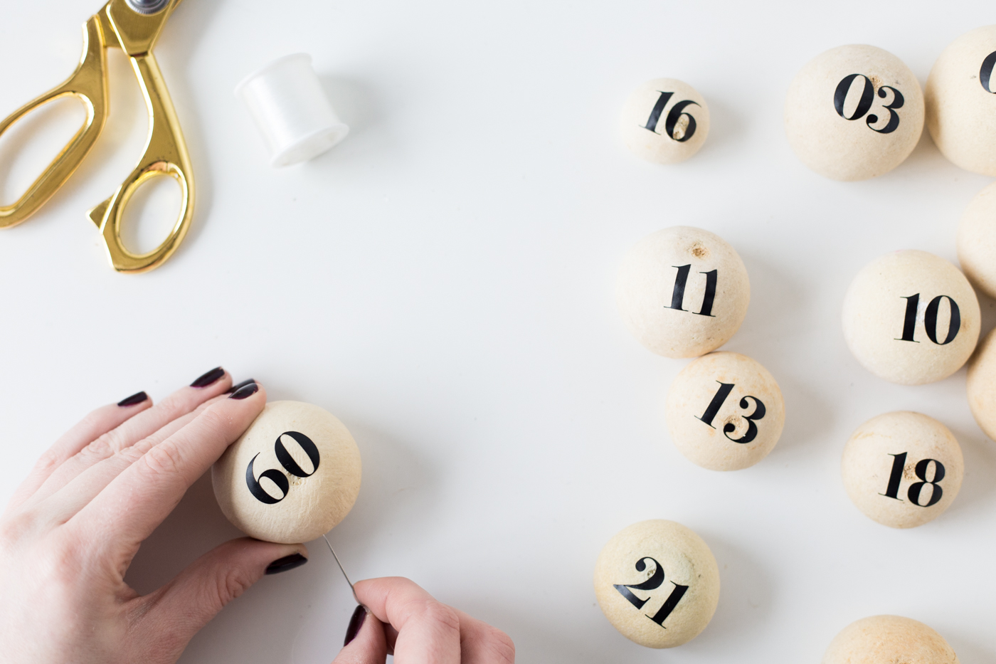 Make a DIY Floating Pod Advent Calendar | @fallfordiy