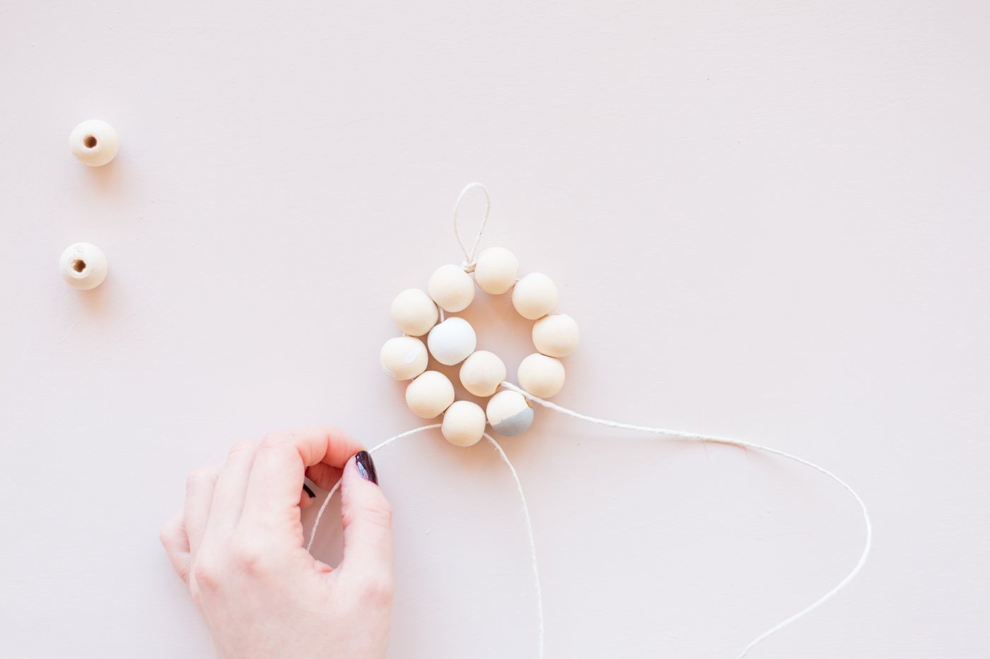 diy-beaded-gift-toppers-tutorial-with-dulux-fallfordiy-13