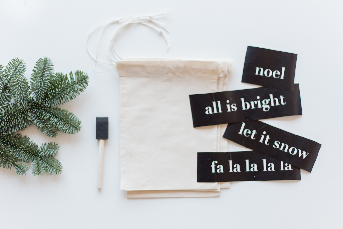 diy-christmas-quote-stencilled-gift-bags-tutorial-with-dulux-fallfordiy-1