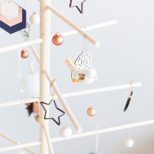 DIY Minimalist Wooden Christmas Tree