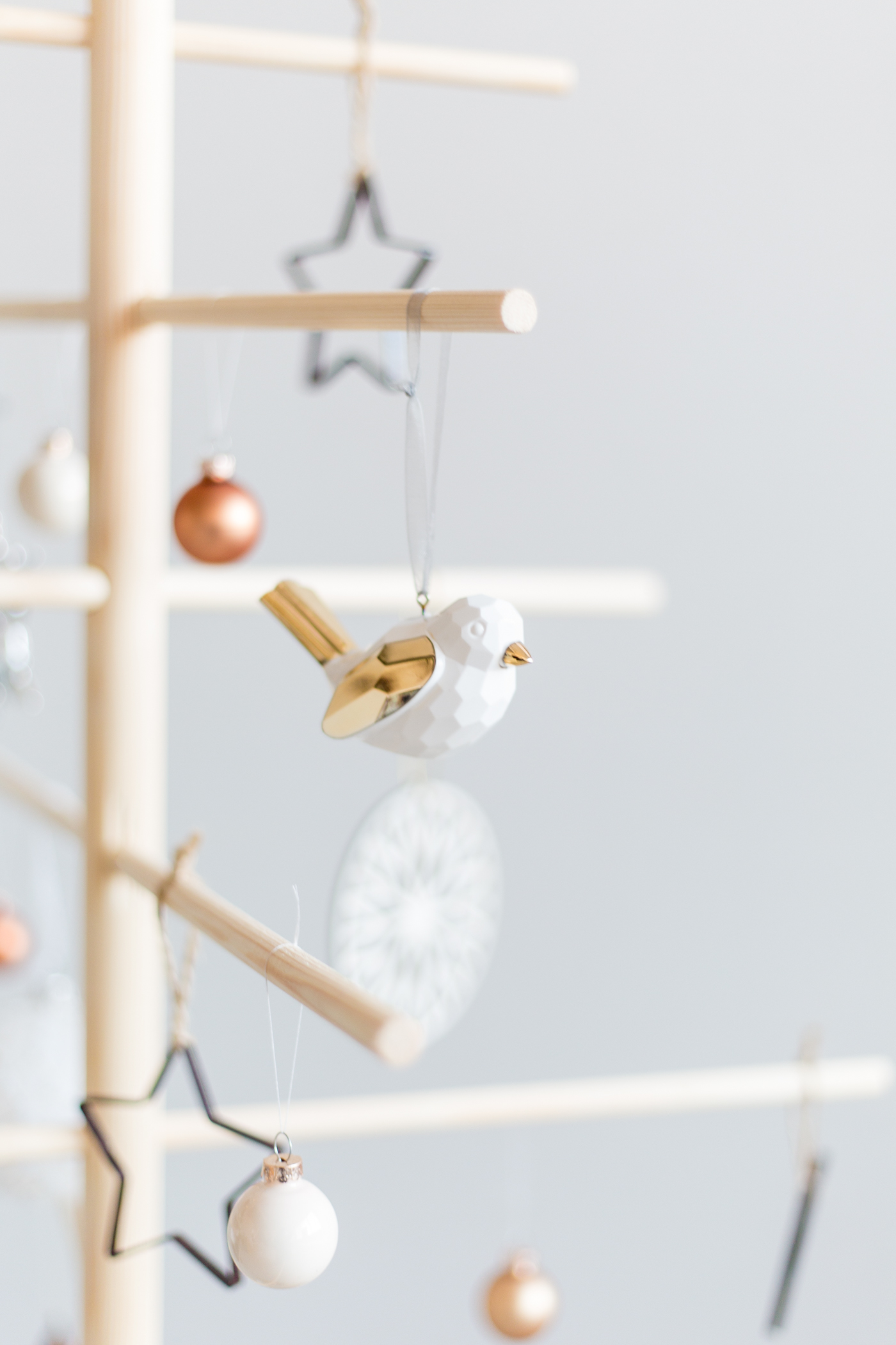 diy-minimalist-wooden-christmas-tree-fallfordiy-12