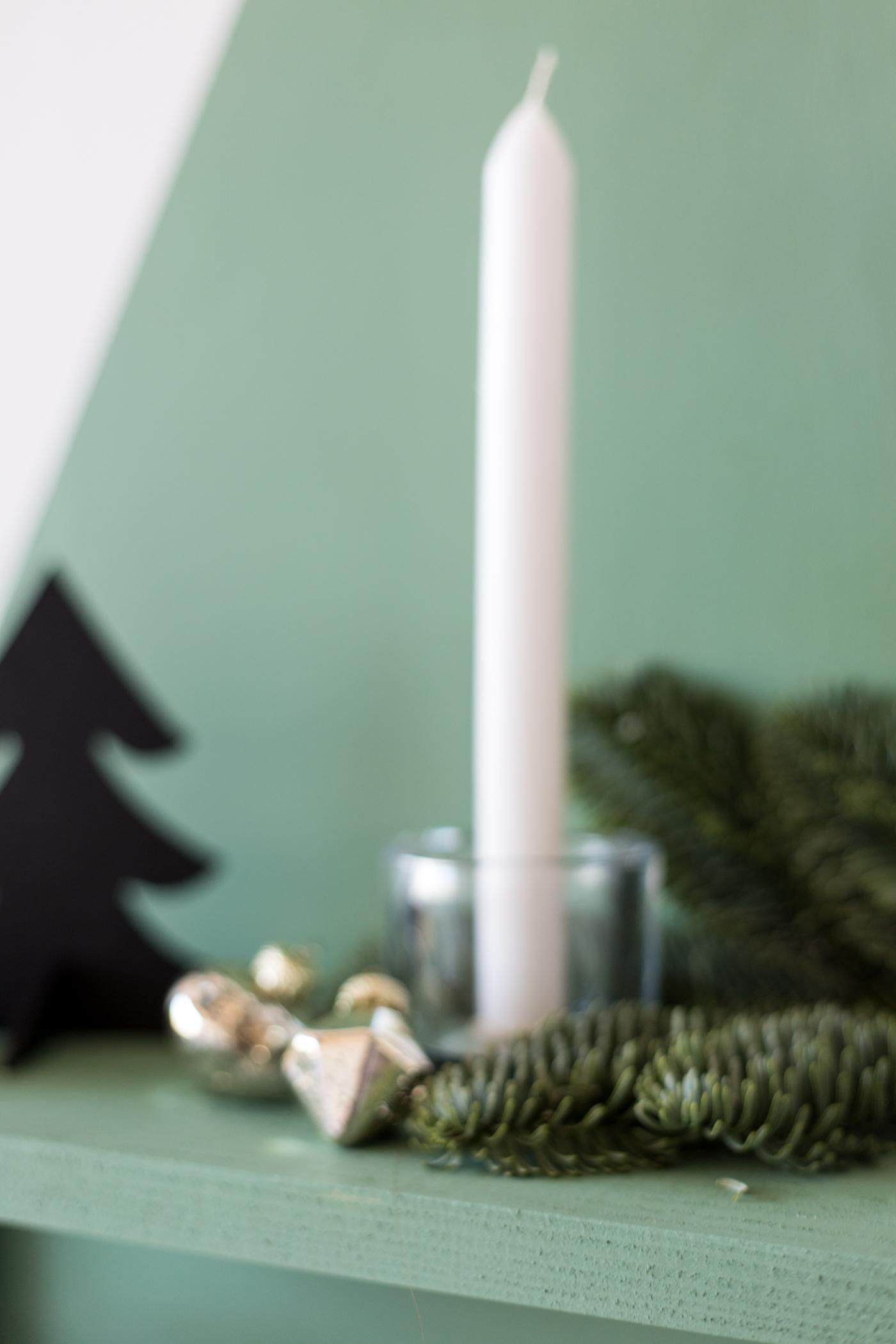 diy-painted-christmas-tree-shelf-with-dulux-fallfordiy-11