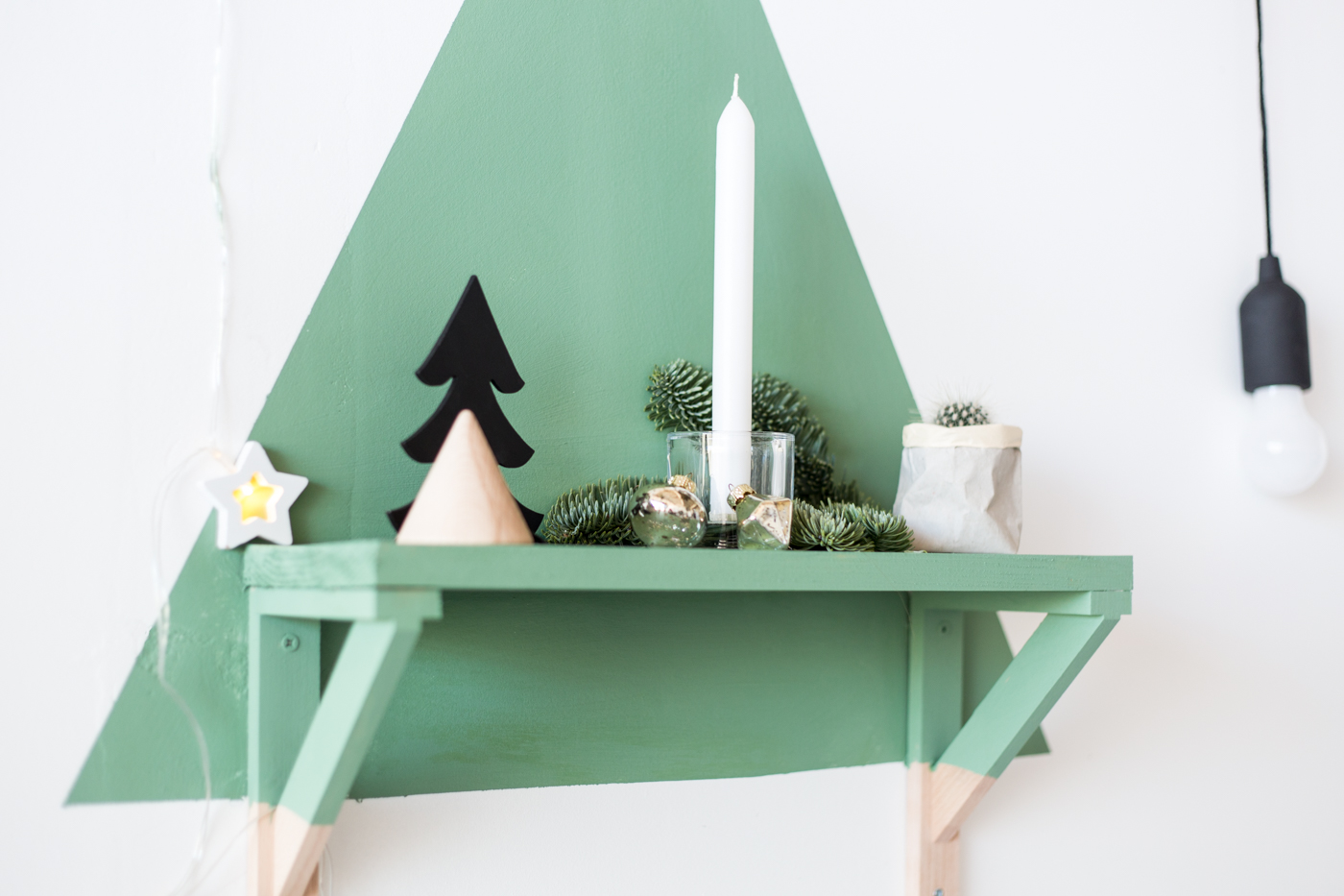 diy-painted-christmas-tree-shelf-with-dulux-fallfordiy-5