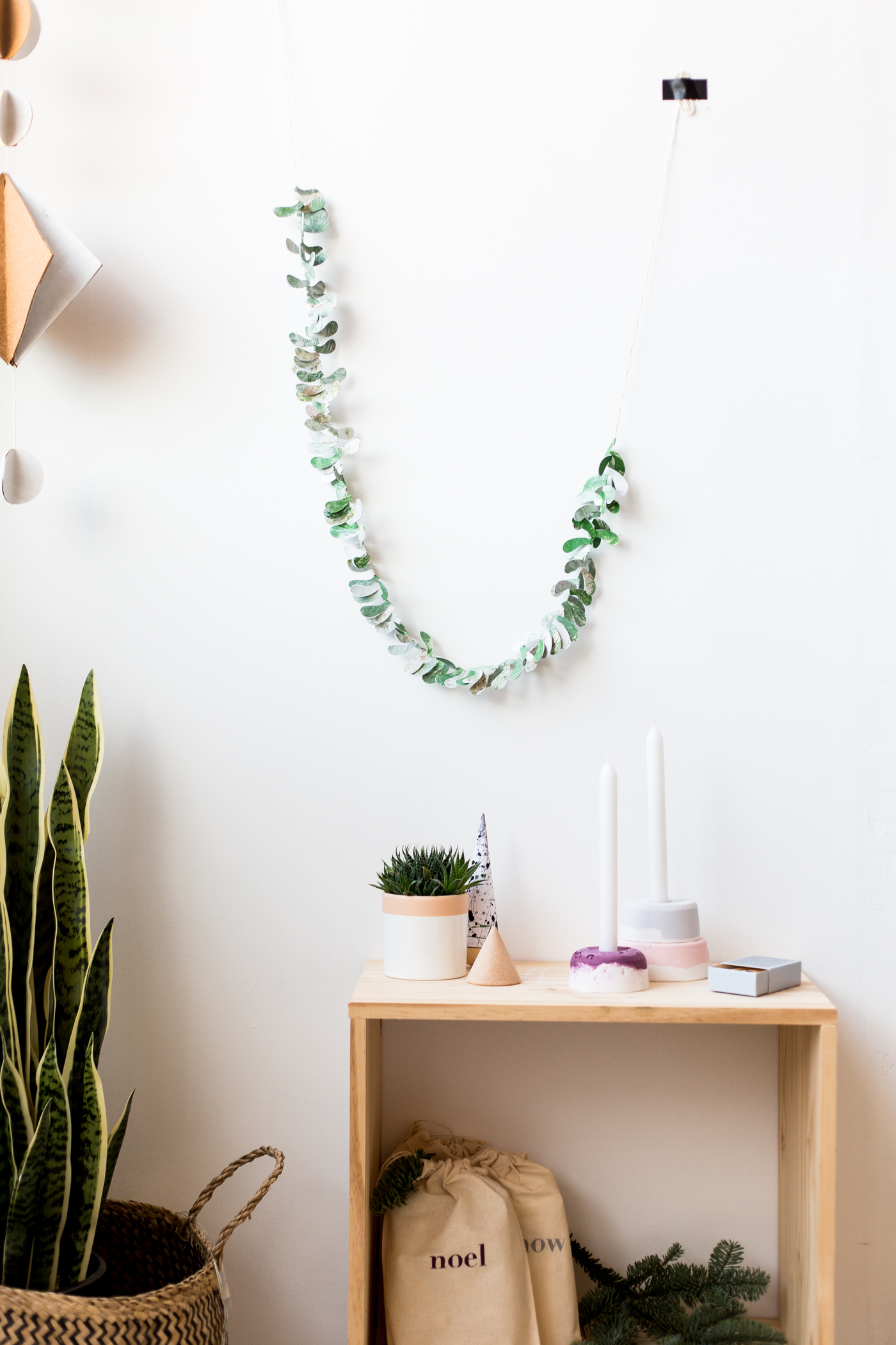 diy-paper-leaf-garland-with-dulux-fallfordiy-3