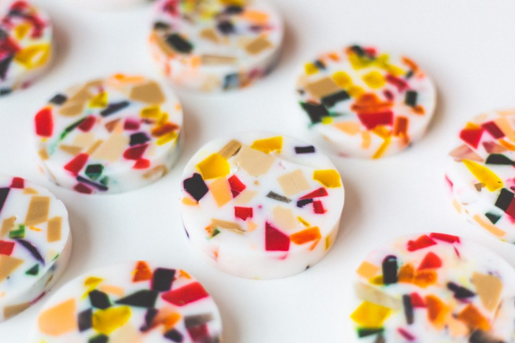 DIY Terrazzo Style Soap Slices | @fallfordiy