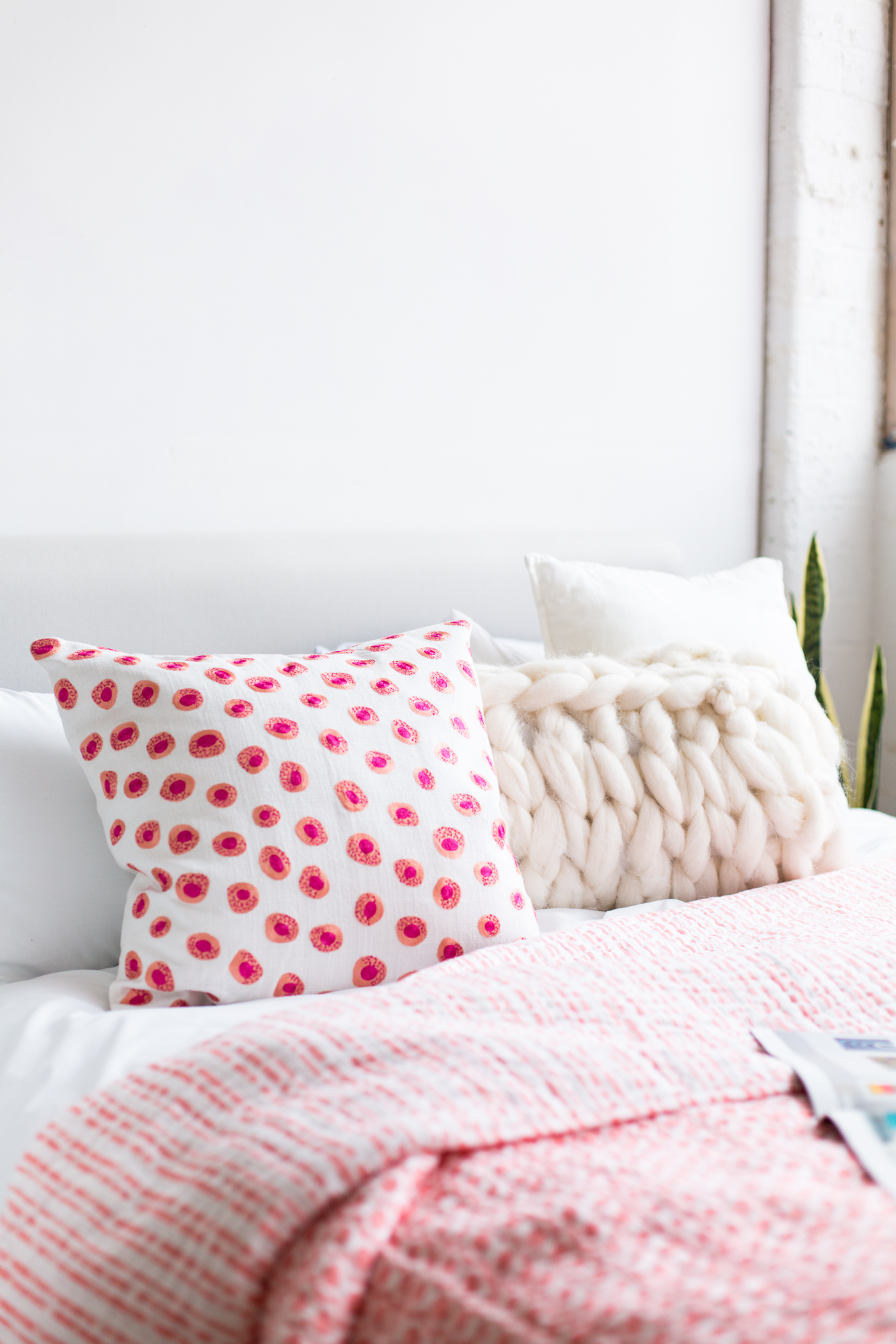 Bedroom Brights with Anne Selke | @fallfordiy