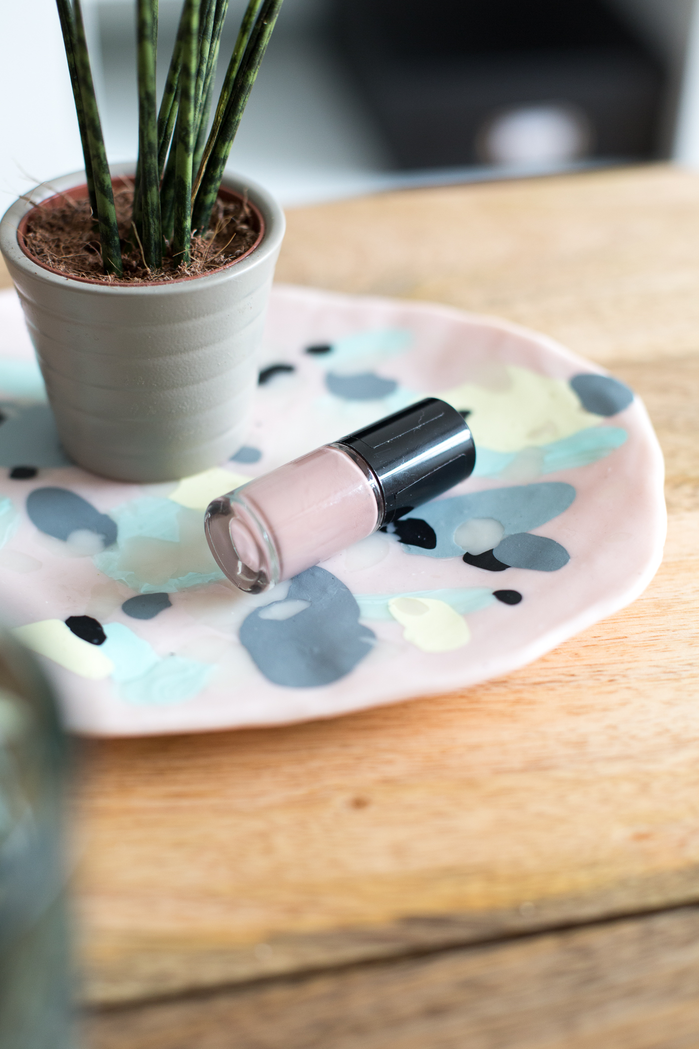 DIY Polymer Clay Coffee Table Tray | @fallfordiy