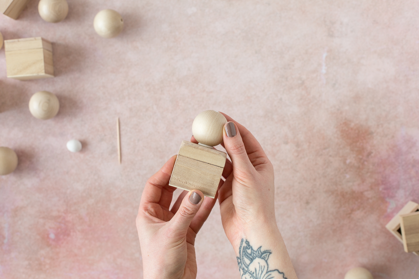 Making Little DIY Ball Pull Boxes with Sugru | @fallfordiy