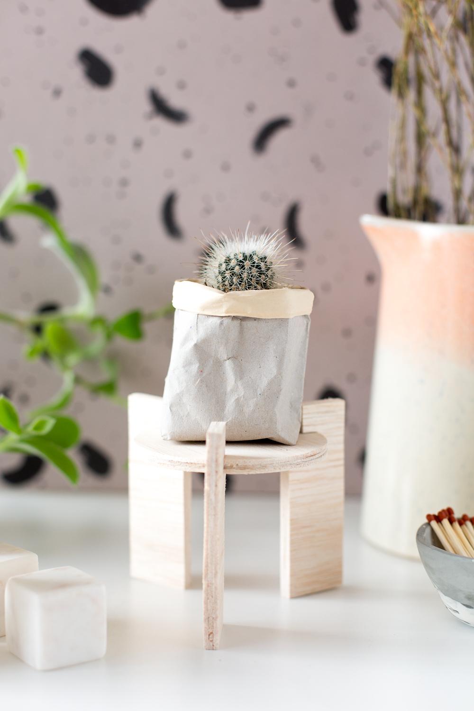 DIY Balsa Wood Plant Stand | @fallfordiy
