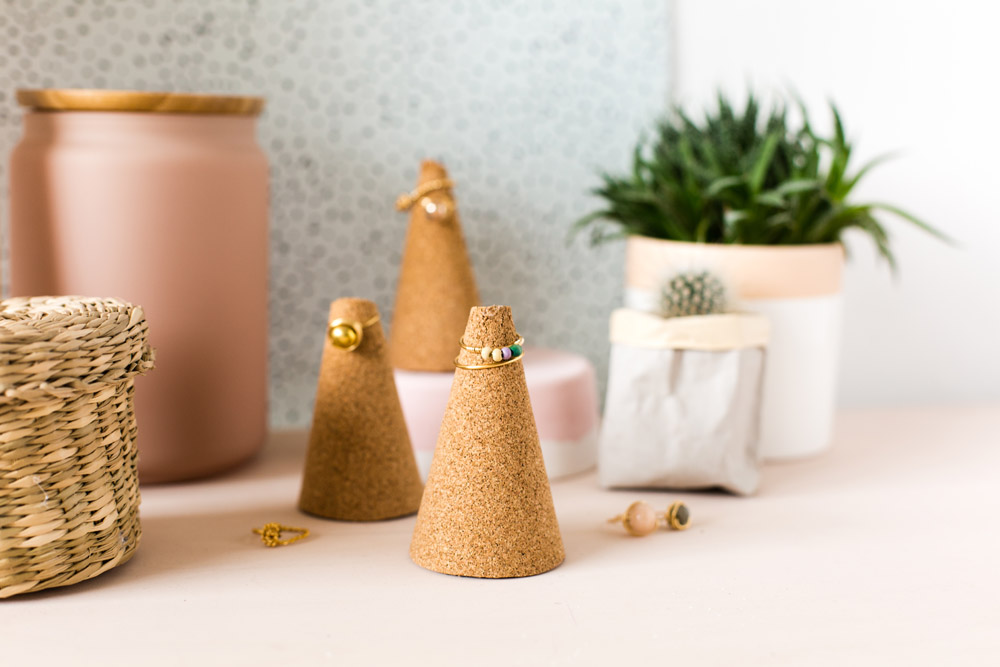 DIY five-minute cork ring cones