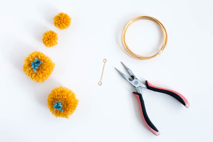 DIY Halloween Pumpkin Pom Pom Earrings | @fallfordiy