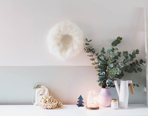 DIY Faux Sheepskin Christmas Wreath