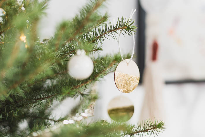 DIY Gold Dipped Wooden Tree Decorations | @fallfordiy