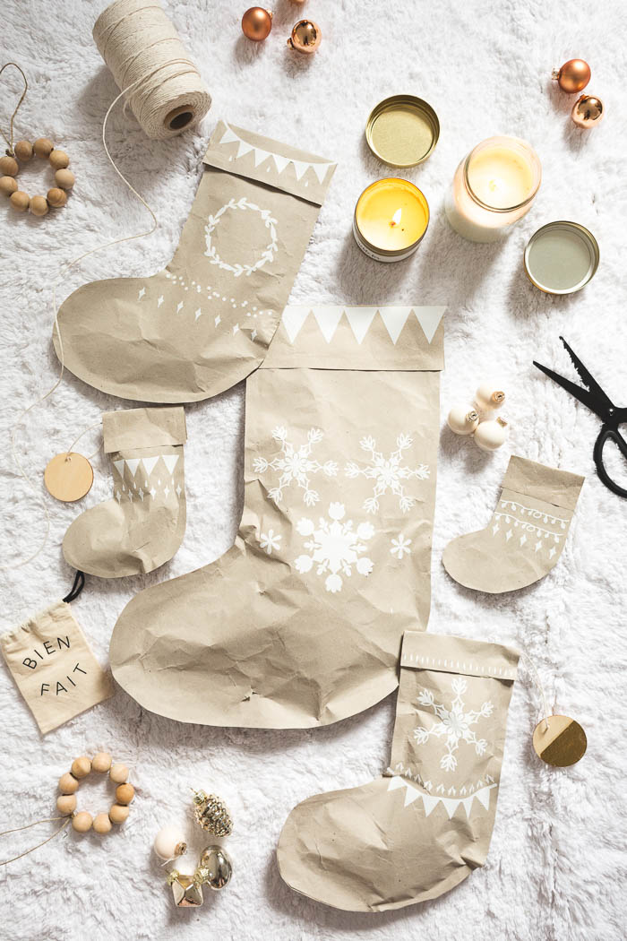 DIY Stocking Gift Wrap | @fallfordiy