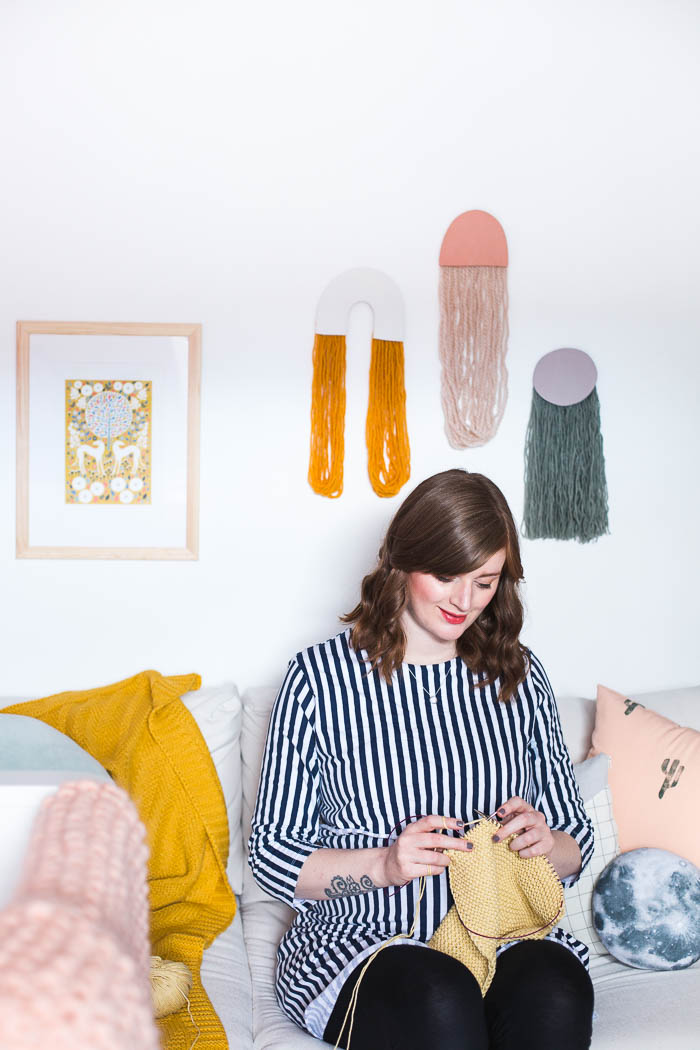 DIY Yarn Art Wall Hangings | @fallfordiy