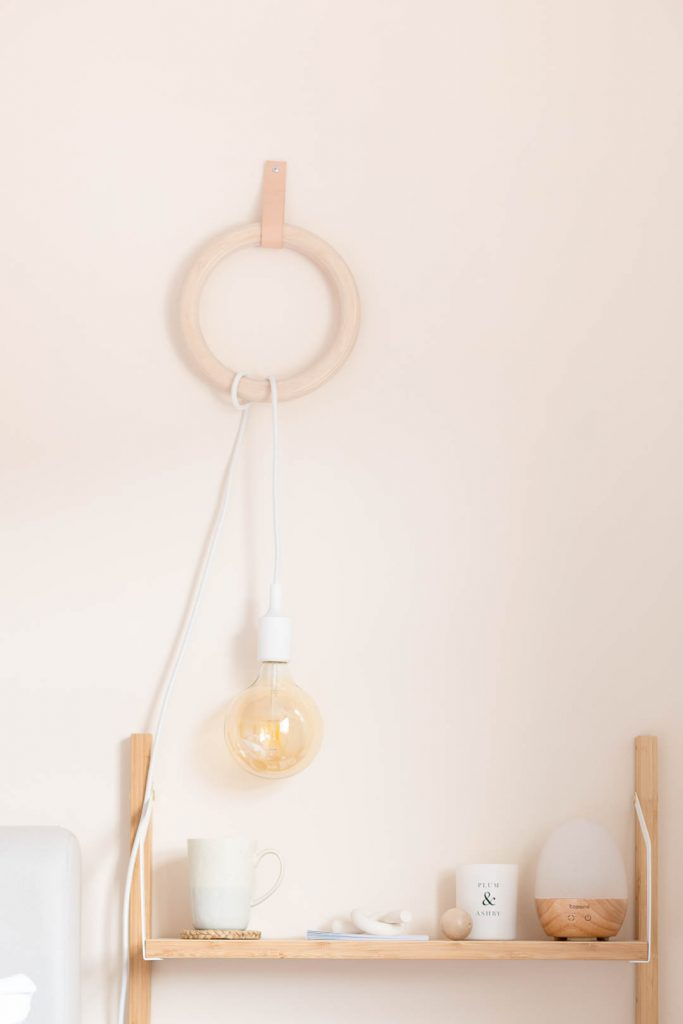 DIY Gym Ring Hanging Lamp | @fallfordiy