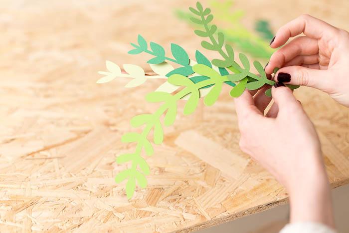 DIY Paper Floral Mobile | @fallfordiy