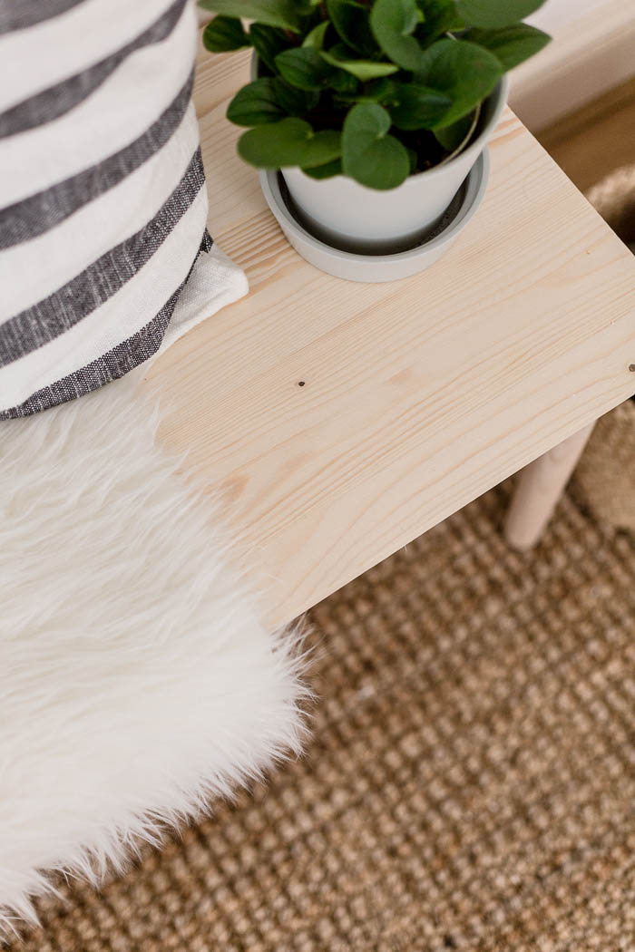 DIY Easy Dining Bench | @fallfordiy